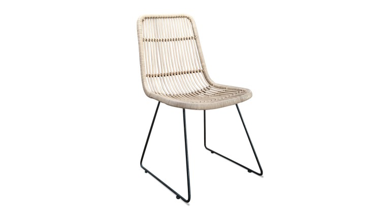 Chaise en rotin pietement metallique boisdeco mobiliermoss