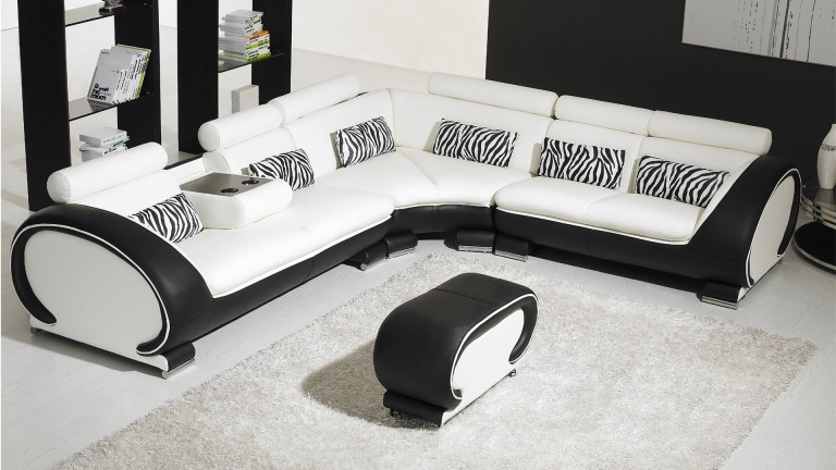 canap d 39 angle cuir au design contemporain okyo mobilier moss. Black Bedroom Furniture Sets. Home Design Ideas