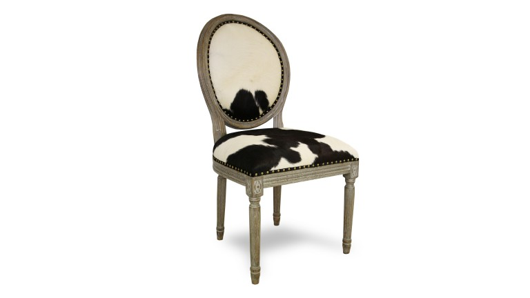 chaise peau de vache bicolore noire et blanche la chaise cowby chez mobiliermos mobilier moss. Black Bedroom Furniture Sets. Home Design Ideas