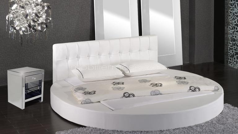 lune lits design en similicuir un lit moderne en similicuir au design contempo mobilier moss. Black Bedroom Furniture Sets. Home Design Ideas