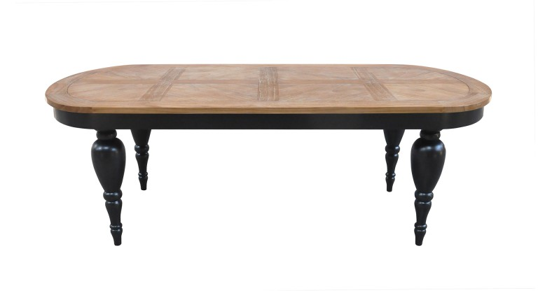 table ovale en bois massif avec des pieds sculpt s. Black Bedroom Furniture Sets. Home Design Ideas