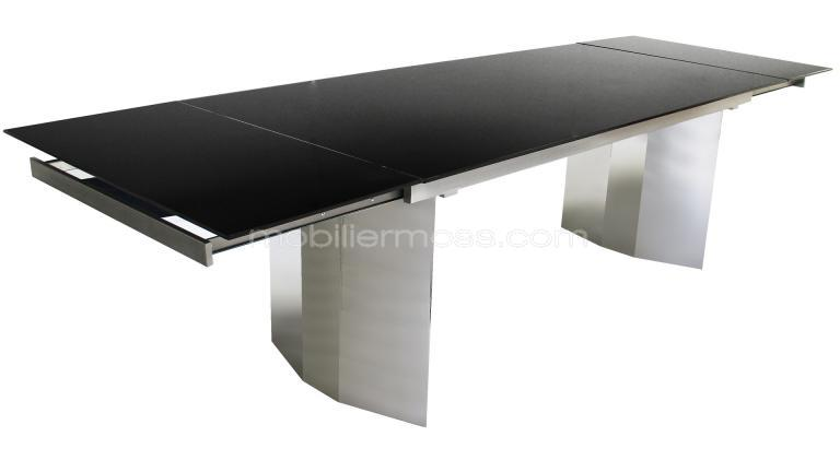 Table contemporaine avec rallonge for Grande table de salle a manger avec rallonge