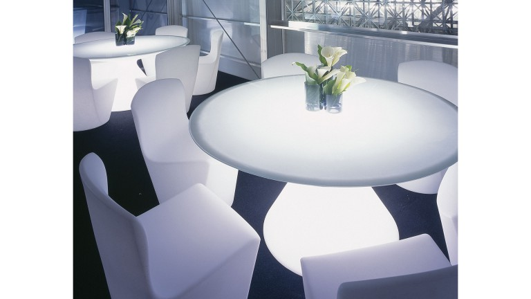 table lumineuse exterieur polyethylene verre blanc ED slide 6 mobiliermoss