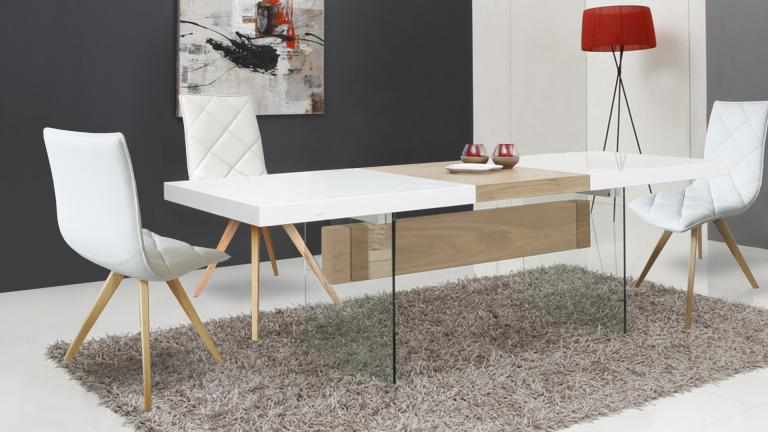 Table salle a manger friendly blanc chaises solvig 3 mobiliermoss