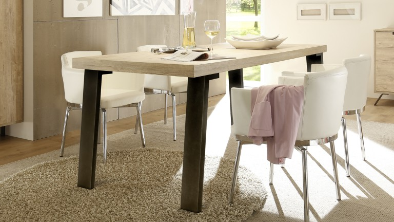 Table de salle a manger nekho rectangulaire mobilier moss for Table bois metal design